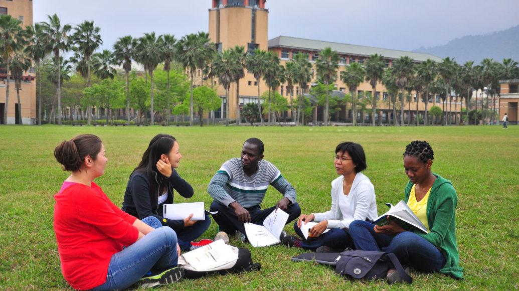 國立東華大學-境外生照片